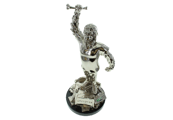 Expertly detailed trophy in the form of the brand's iconic monkey. Finished in polished chrome electroplating.