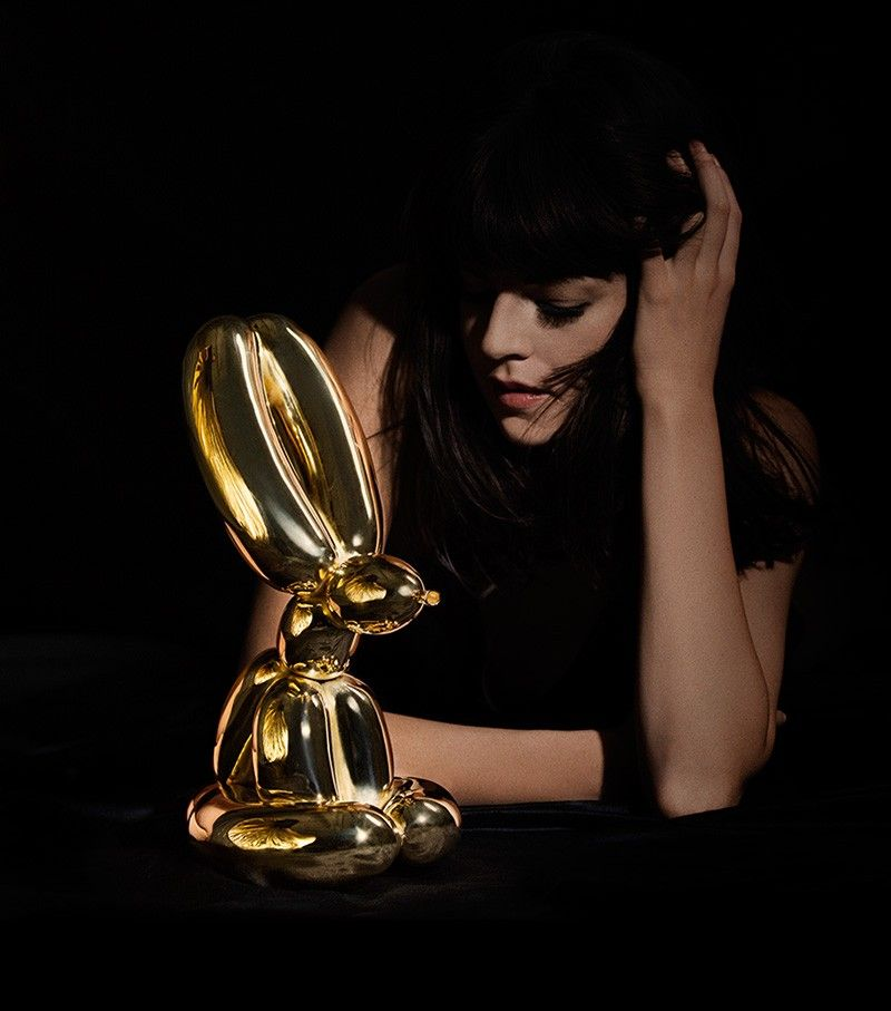 jeff koons balloon rabbit awards
