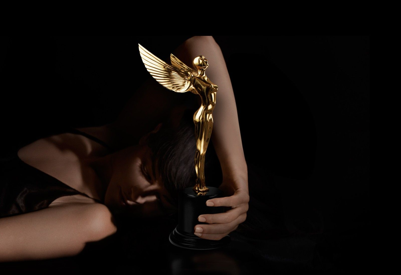 luxury golden angel trophy with modelluxury golden angel trophy with model